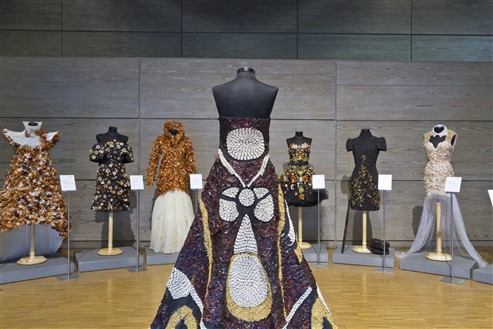 exhibition vegetables costumes by top designers Museo del Traje
